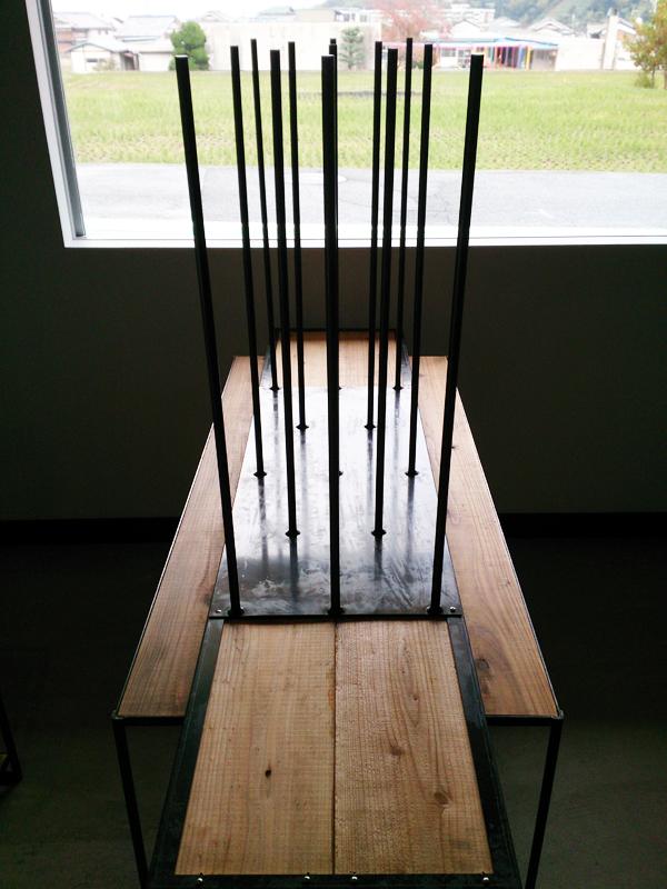 13本の丸鋼テーブル -13 ROUND BAR TABLE- 脚